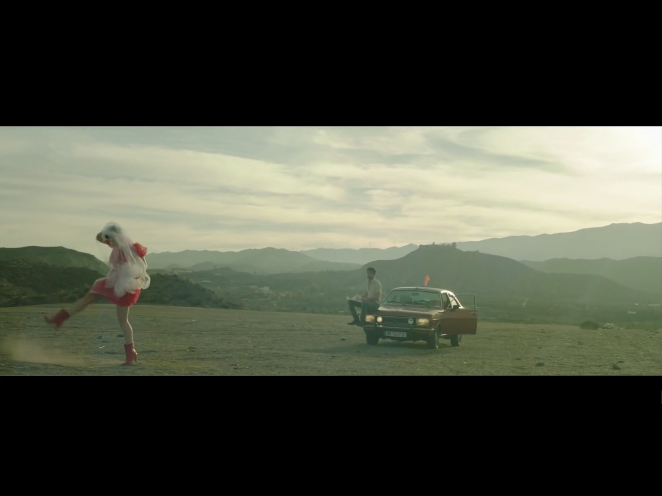 Sony Music_Hooverphonic/Boomerang Music Video, Agency: TRS, Director: Jan Boon, DOP: Anton Mertens